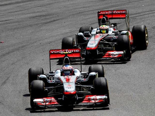 Jenson-Button-leading-Lewis-Hamilton-at-the-2011-Brazilian-GP
