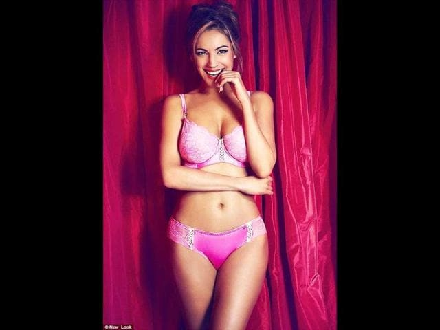 Kelly-sure-looks-haute-in-the-pink-lingerie