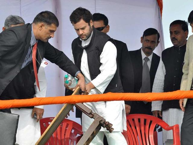 Congress-general-secretary-Rahul-Gandhi-is-shown-black-flags-during-an-election-campaign-rally-in-Orai-area-of-Bundelkhand-region-PTI-photo