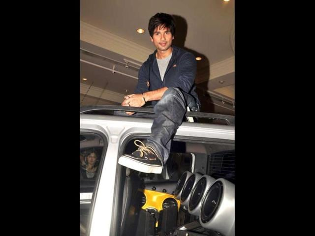 Shahid-Kapoor-was-seen-in-a-witty-mood-during-the-event