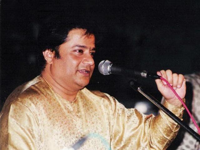 bhajan singer,Anup Jalota,tagore theatre