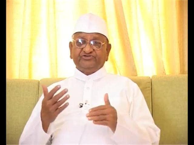 Anna-Hazare-delivers-his-election-message