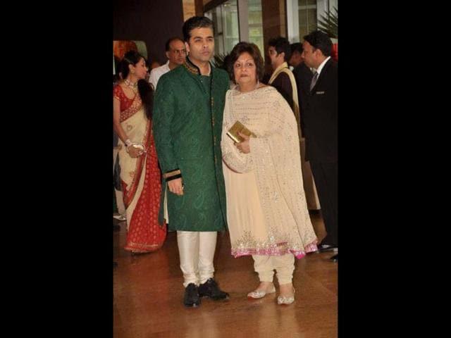 Karan-Johar-and-Saroj-Khan-at-the-wedding