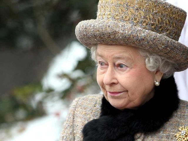 Queen Elizabeth,royal swans,royal family