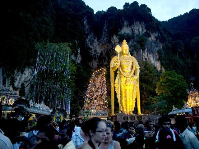Thaipusam,Hindu religious festival,400 migrant workers