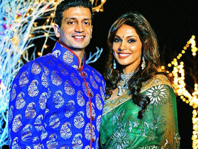 Isha-Koppikar-and-Timmy-Narang-s-love-story-has-all-the-trappings-of-a-textbook-romance-They-even-ended-up-happily-ever-after