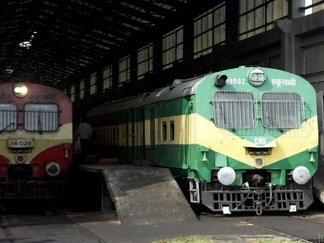 train,Hoshiarpur,delhi