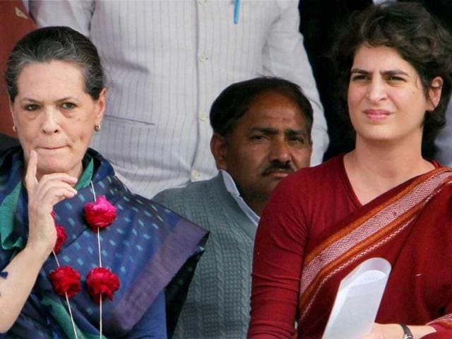 Congress chief,Sonia Gandhi,income tax