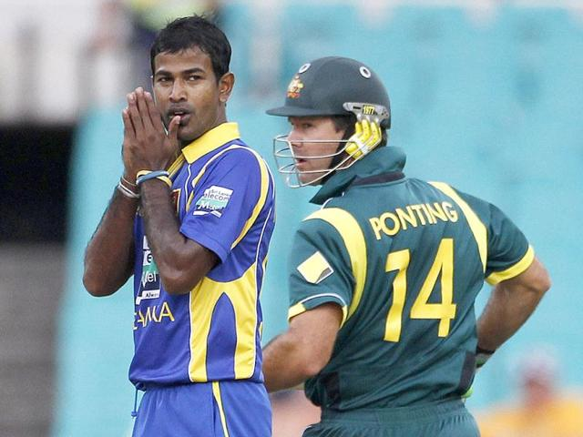 India have fingers crossed as Oz face Lanka