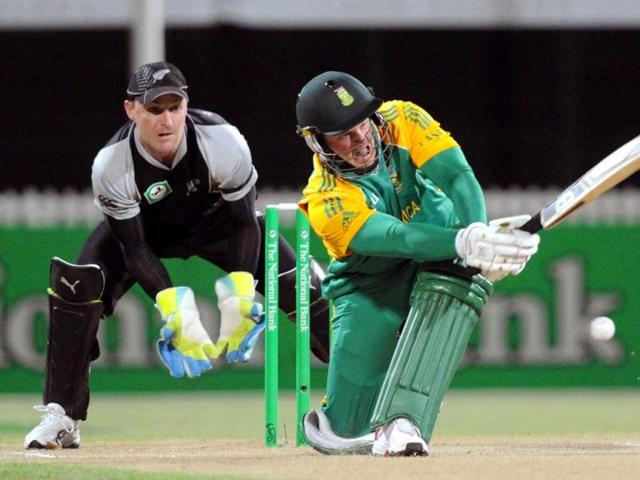South-Africa-s-Richard-Levi-sweeps-in-front-of-the-New-Zealand-keeper-Brendon-McCullum-in-the-second-Twenty20-international-cricket-match-at-Seddon-Park-in-Hamilton-New-Zealand-AP-Photo-SNPA-Ross-Setford