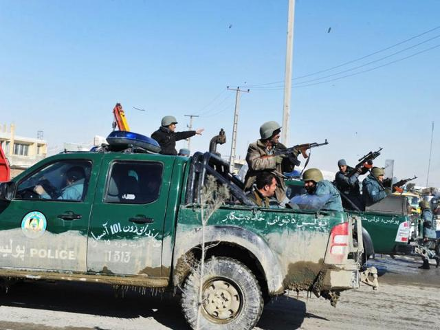 Afghanistan,suidide bomber,25 killed