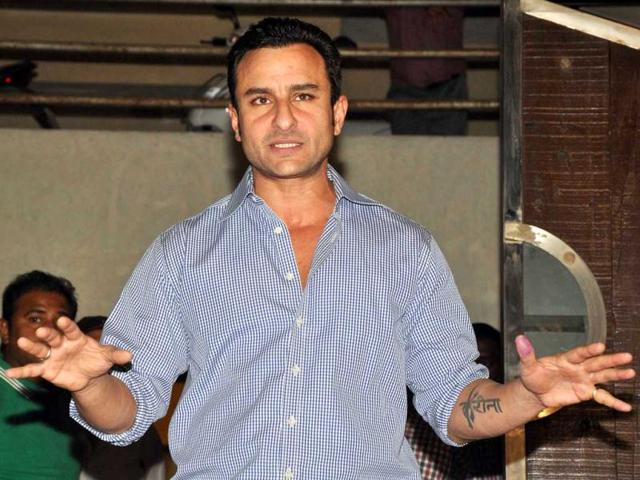 Bollywood-star-Saif-Ali-Khan-speaks-to-journalists-outside-his-house-in-Mumbai-on-February-22-2012-AFP