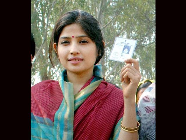 Dimple Yadav files nomination from Kannauj