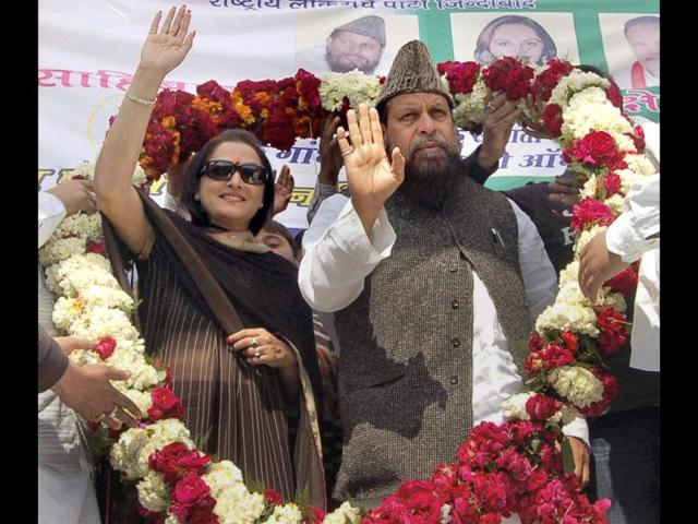 Lok-Manch-Party-vice-President-and-MP-Jaya-Prada-and-party-leader-Obaidullah-Azmi-being-garlanded-at-an-election-rally-in-Ghaziabad-Uttar-Pradesh-PTI-Photo