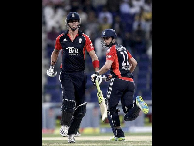 England-s-Kevin-Pietersen-left-and-Craig-Kieswetter-run-between-the-wickets-during-the-third-Twenty20-cricket-match-against-Pakistan-at-the-Zayed-Cricket-Stadium-in-Abu-Dhabi-United-Arab-Emirates-AP-Hassan-Ammar