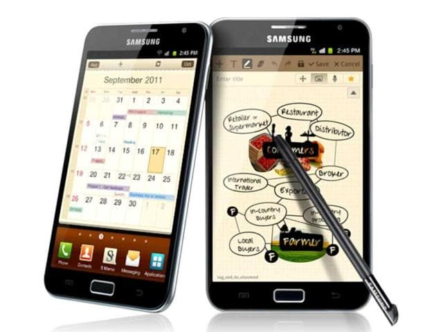Samsung-Galaxy-Note-Off-all-the-Android-phones-available-in-the-market-this-phone-or-phablet-has-the-best-quality-sensors-that-can-pack-in-8-megapixels-of-detail-in-every-shot