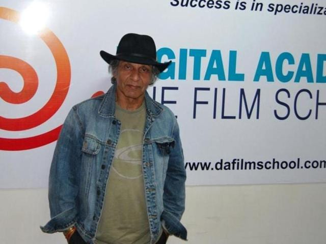 Noted-cinematographer-Ashok-Mehta-died-on-August-15-fighting-lung-cancer