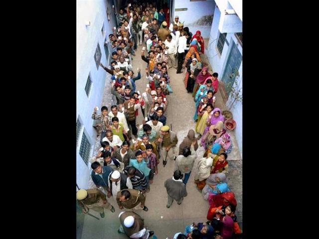 Vinod Rajput,Darpan Singh,Noida Extension