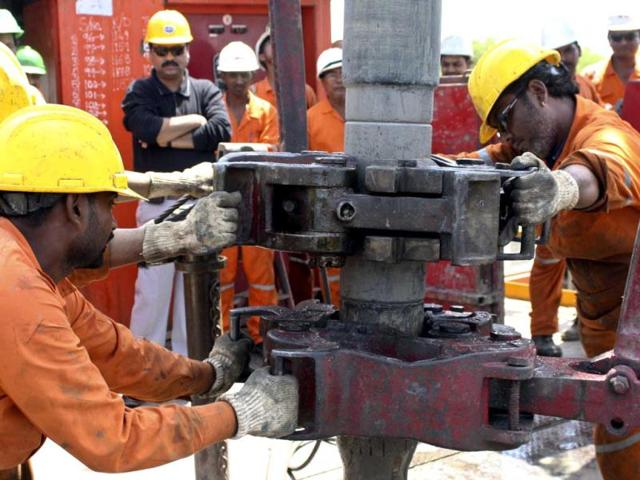 ONGC to invest $9 bn in producing oil and gas from KG basin