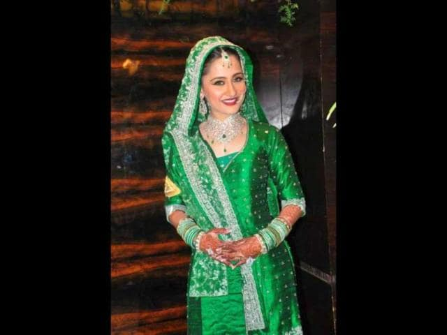 Sanjeeda-Sheikh-looks-gorgeous-in-her-wedding-outfit