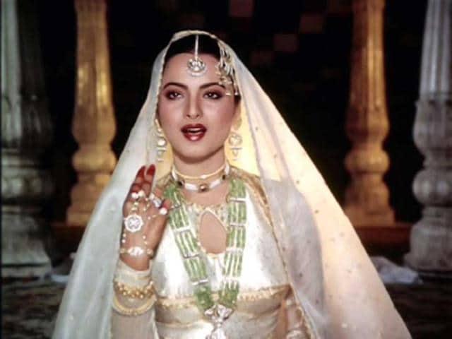 Osian's Cinefest,Osian's Cinefan Auction of Indian Cinema Memorabilia,bollywood