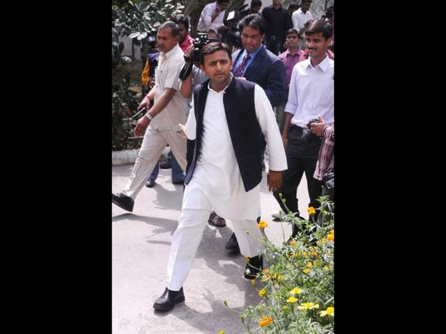Akhilesh's budget tries to fulfill poll promises