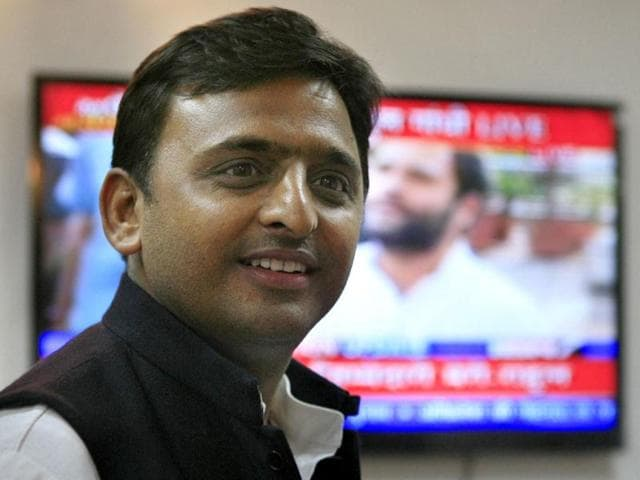 Samajwadi-Party-leader-Akhilesh-Yadav-after-Assembly-election-results-in-Lucknow-on-Tuesday-The-party-is-all-set-to-form-the-next-government-under-the-leadership-of--Mulayam-Singh-Yadav--in-Uttar-Pradesh-HT-Photo-Soumitra-Ghosh