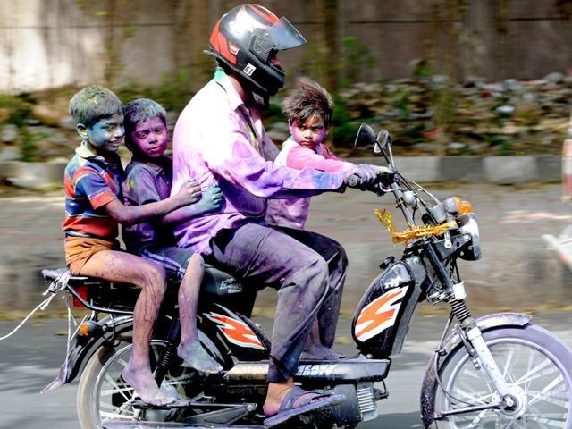 helmet,compulsory,high court