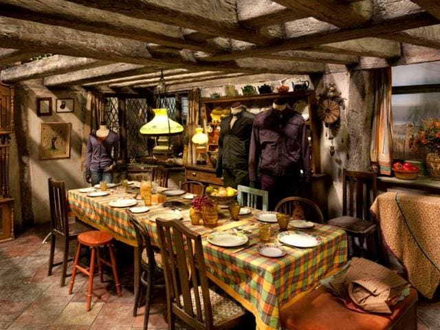 The-Weasley-KitchenThe-Weasley-kitchen-will-display-the-special-effect-props-including-the-self-washing-frying-pan-knitting-needles-and-chopping-boards-The-sets-all-have-tiny-little-details-that-you-may-not-always-notice-in-the-films-but-when-you-actually-walk-through-them-you-can-see-all-the-work-that-s-gone-into-it-says-Rupert-Grint-who-played-Ron-Weasley-It-s-really-amazing