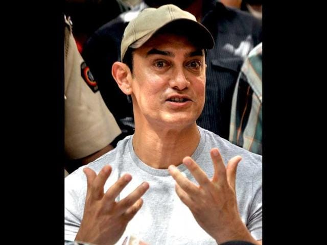 Aamir-Khan-looks-excited-as-he-celebrates-his-birthday