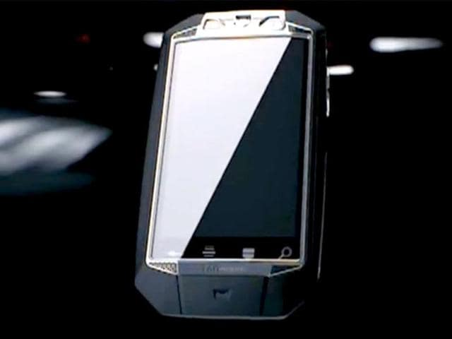 Tag Heuer comes up with first ever 'self-charging' smartphone