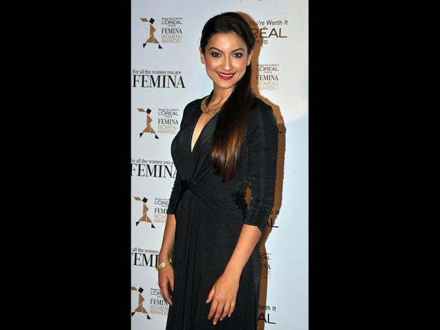 In-happier-times-Bigg-Boss-7-winner-Gauhar-Khan-and-her-boyfriend-Kushal-Tandon-remained-in-news-all-through-the-time-that-the-reality-show-was-being-aired