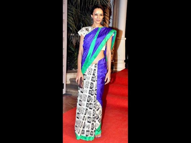 Dipannita-Sharma-seen-in-an-interesting-geometric-patterned-sari