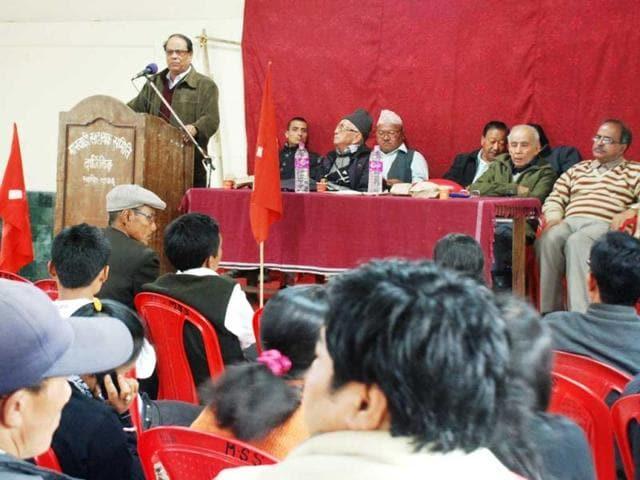 CPIM-leader-Asok-Bhattacharjee-adresses-a-CPIM-meeting-in-Darjeeling-HT-Suman-Baraily
