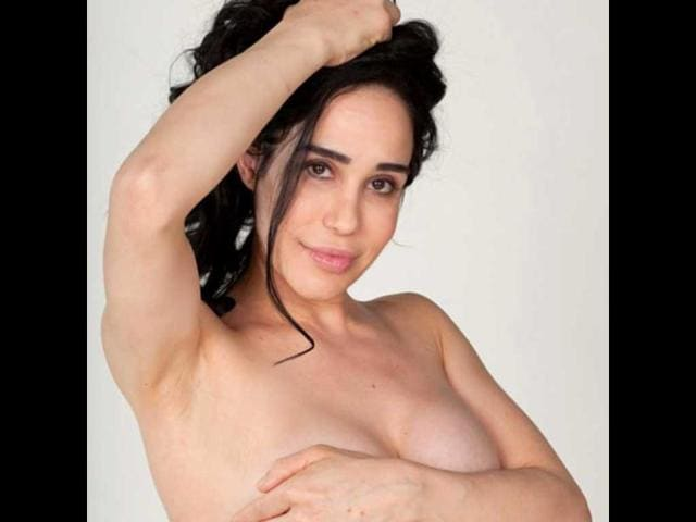 Octomom-Nadya-Suleman-poses-nude-post-pregnancy-for-Closer