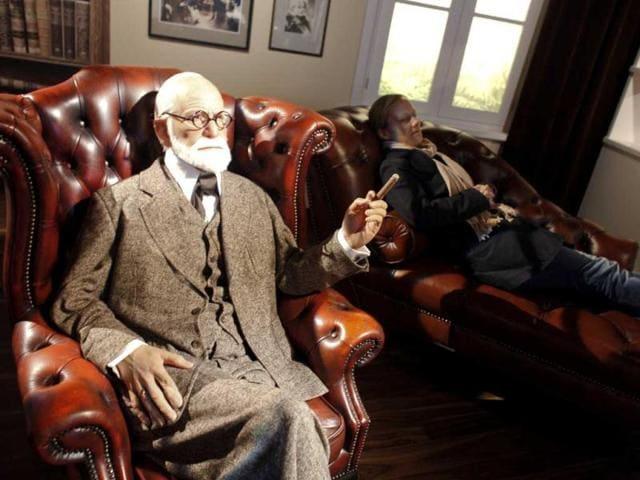 Sigmund Freud,sigmund freud ashes,Golders Green Crematorium