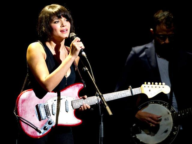 Billboard-named-Norah-Jones-the-top-Jazz-artist-of-the-2000-2009-decade-establishing-herself-as-one-of-the-best-selling-artists-of-her-time