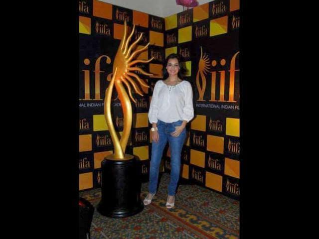 Bollywood-actor-Dia-Mirza-poses-at-the-IIFAs