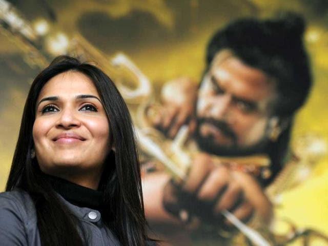 Rajini-s-daughter-Soundarya-has-directed-the-film-Kochadaiyaan