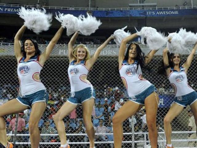 Deccan-Chargers-cheerleaders-perform-prior-of-the-IPL-Twenty20-match-between-Pune-Warriors-and-Deccan-Chargers-at-The-D-Y-Patil-Cricket-stadium-in-the-outskirts-of-Mumbai-on-May-16-2011-AFP-PHOTO-Indranil-MUKHERJEE