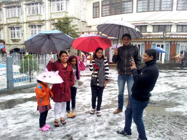 People-experience-white-Easter-as-Darjeeling-is-covered-with-snow-after-an-hour-long-hail-storm-on-Good-Friday