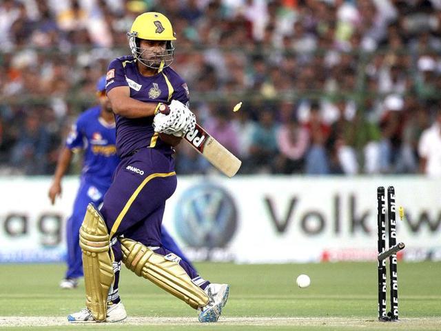 Kolkata-Knight-Riders-Debabrata-Das-is-bowled-against-Kolkata-Knight-Riders-during-their-IPL-5-match-in-Jaipur-PTI-Photo-Aman-Sharma