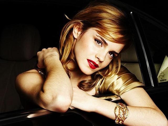 Racy Emma Watson steams up mag cover
