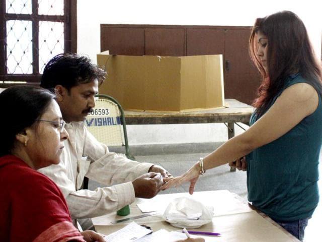 Hamari Jamatia & Neelam Pandey,Delhi State Election Commission,MCD elections
