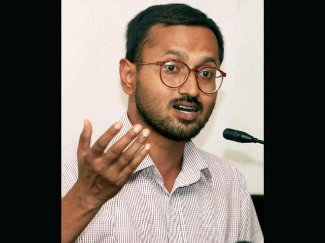 Scientist-Partha-Sarathi-Ray-who-was-granted-bail-by-court-in-connection-with-an-eviction-drive-at-Nonadanga-at-a-Press-Conference-in-Kolkata-PTI-Swapan-Mahapatra