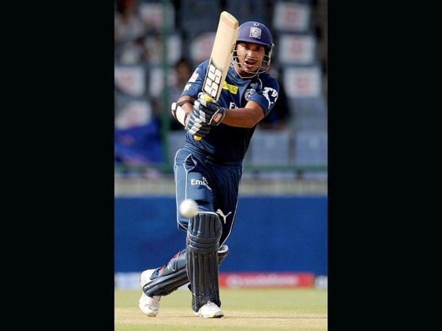 Deccan-Chargers-batsman-Kumar-Sangakkara-plays-a-shot-during-the-IPL-Twenty20-cricket-match-between-Deccan-Chargers-and-Delhi-Daredevils-at-The-Feroz-Shah-Kotla-stadium-in-New-Delhi-AFP-PHOTO-MANAN-VATSYAYANA