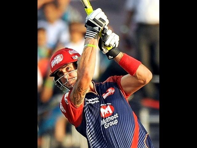 Delhi-Daredevils-cricketer-Kevin-Pietersen-2-L-celebrates-with-teammates-after-defeating-Mumbai-Indians-during-their-IPL-Twenty20-cricket-match-at-the-Ferozshah-Kotla-stadium-in-New-Delhi-Delhi-Daredevils-won-by-37-runs-AFP-Photo-Manan-Vatsyayana