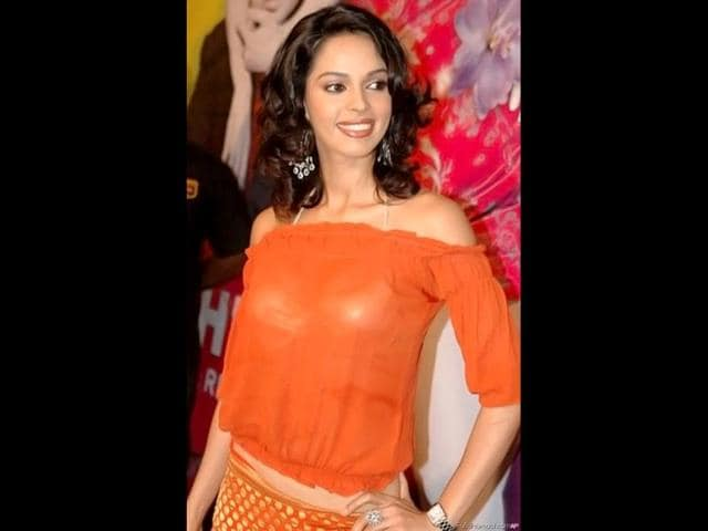 Not-so-beautiful-Mallika-Sherawat-made-it-big-in-Bollywood-and-Hollywood-with-her-uninhibited-attitude-towards-skin-show-and-steamy-scenes