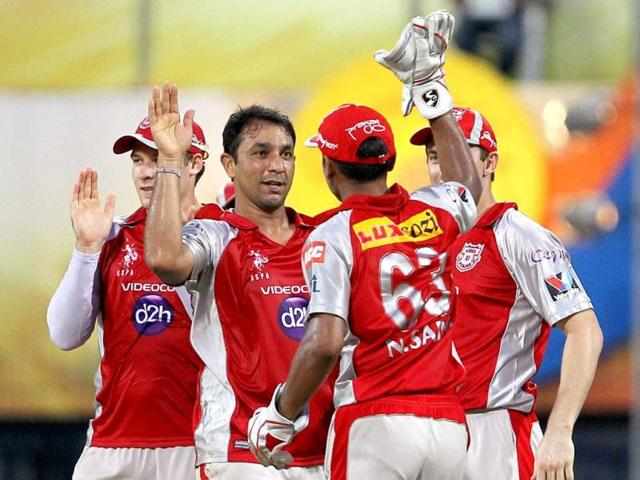 Kings-XI-Punjab-s-Azhar-Mahmood-celebrates-along-with-teammates-after-taking-the-wicket-of-Chennai-Super-Kings-Faf-du-Plessis-during-their-IPL-5-match-at-MAC-Stadium-in-Chennai-PTI-R-Senthil-Kumar