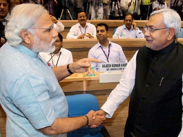 Gujarat-chief-minister-Narendra-Modi-shakes-hands-with-Bihar-CM-Nitish-Kumar-at-the-meeting-of-chief-ministers-on-National-Counter-Terrorism-Centre-NCTC-in-New-Delhi-PTI-Photo-by-Manvender-Vashist